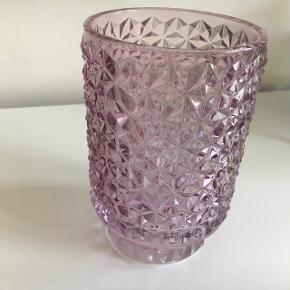 Glas fra Medusa Copenhagen. Kan evt. anvendes til fyrfadslys.  Jeg sender ikke.