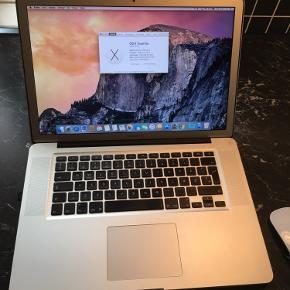Super fin og hurtig Macbook Pro 15 .specs kan ses på billed 2 og den har en ny 120 gb ssd hardddik  og næsten ny batteri .der medfølger apple magic mouse og oplader .