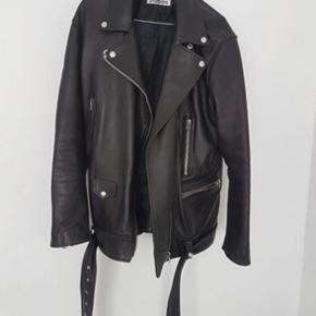 Acne Studios More Leather Jacket sz. 42 Fejler ikke noget.  Nypris. 11495 DKK