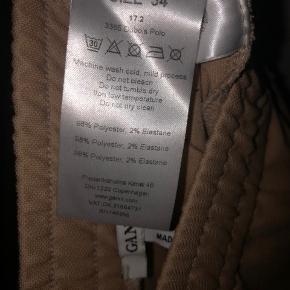 Sælger mine vildt flotte ganni bukser! Lidt store i størrelsen så passer bedere til s/m. Kom med et Bud! Skriv for flere billeder💞