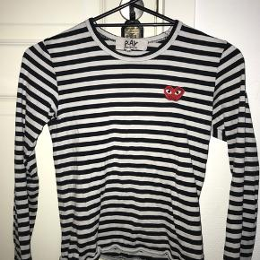 Lækker trøje!!:) Np: ?? Mp: 150  Den er brugt, og har mindre tegn på slid, så derfor sælges den også meget billigt:)