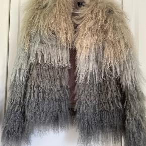 Kaycee pels- & skindjakke