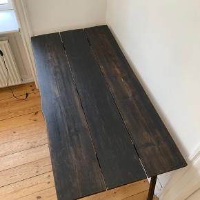 Flot plankebord med Hay ben. BYD!