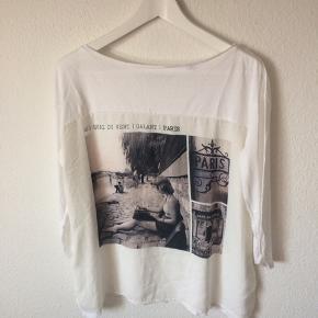 Esprit - bluse Str. M Næsten som ny Farve: hvid Mål: Brystvidde: 116 cm hele vejen rundt (skal være løs) Længde: 64 cm Køber betaler Porto!  >ER ÅBEN FOR BUD<  •Se også mine andre annoncer•  BYTTER IKKE!