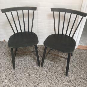 2 FDB stole med den helt rigtige patina. Prisen er for begge stole