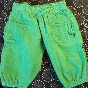 Varetype: Bukser Farve: Grøn Oprindelig købspris: 250 kr.  Så fine bukser.  Ingen røg og ingen dyr.  Sælges billigt