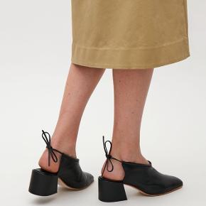 Fede og meget bløde lædersko. Brugt en enkel gang. Dejlige at have på og er helt størrelsessvarende.
