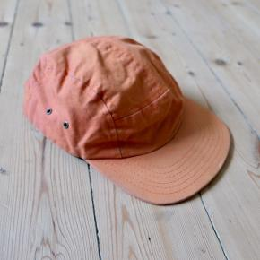 Fair Ends canvas five-panel cap. A bit faded but in great condition otherwise. Original price 400 DKK