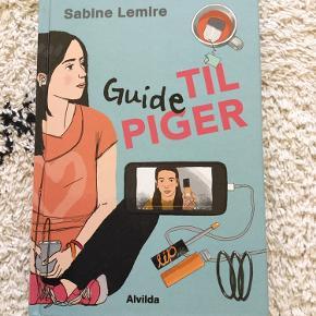 """""""Guide til piger"""" af Sabine Lemire. Hardback. 134 sider. Selvhjælpsbog til 10-14-årige piger. Se beskrivelse længere nede. Standen er fuldstændig som ny - eneste brugsspor er, at min datter har skrevet sit navn forrest.  Nypris 150,-  Sender gerne - p.t. 39 kr. med GLS.  Tekst fra forhandler: """" Sabine Lemire fortæller i """"Guide til piger"""" alt hvad du skal vide som ung pige om kroppens spirende udvikling, de overvældende følelser og om forholdet til veninder, drenge og familie.  Når du er mellem 10 og 14 år udvikler du dig rigtig meget. Din krop begynder at vokse og ændre form, og måske får du nye interesser. Det kan virke mærkeligt, men bare rolig – du er ikke alene. I """"Guide til piger"""" kan du blive klogere på, hvad der sker inde i dig og med din krop før du bliver rigtig teenager.  Sabine Lemire skriver letforståeligt om overgangen fra barndom til den første tid af ungdommen. Bogen er fyldt med sjove og spændende tests samt gode råd om alt det nye du vil opleve som ung pige."""""""