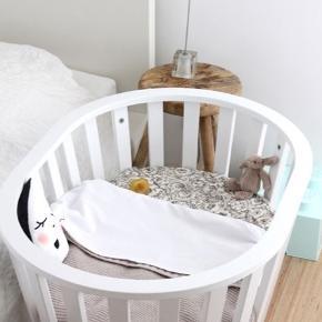 Gul Barcelona baby vugge, bedside crip og bord