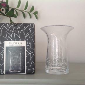 Rosendahl filigran vase. 16 cm Ubrugt og i æske.  Hentes i Bispebjerg