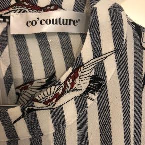 Sælger denne fine skjorte, den er stor i str og vil også kunne passe en m