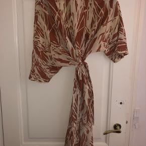 Ganni anden kjole & nederdel