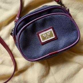 Gem dine småtterier i denne fine grønne taske 🌱 #30dayssellout