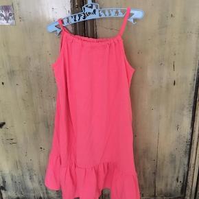 Varetype: Kjole Størrelse: 10 Farve: Pink  Brugt 3/4 gange Mp 100 pp dvs 36 med DAO bytter ikke