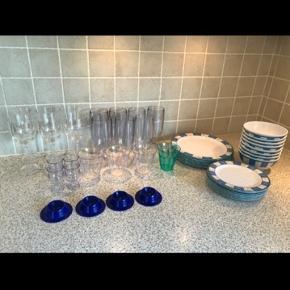 Diverse campingservice, både glas tallerkener osv.  Det hele for 400 eller kom med et bud for enkelte dele.