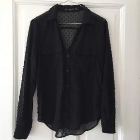 Fin transparent skjorte fra Zara - bytter ikke, men smid et bud :-)