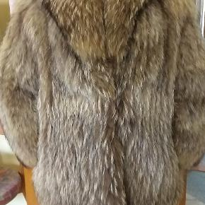 Ægte rævepels. Pelsen er købt  i Skind og Pels i Esbjerg.