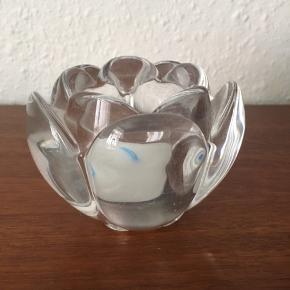 Holmegaard lysestage formet som blomst 🌸  Mål: - H: 7 cm - Ø: 9 cm