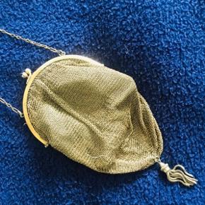 Antique 1920's mesh purse. Rare find.❤️👜🧚🏻♀️