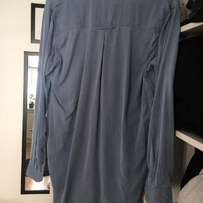 Oversize skjorte fra Samsøe Samsøe. Fejler ikke noget, men trænger til en strygning 😜