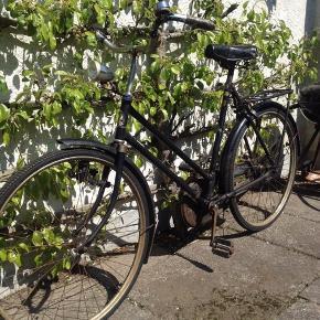 Den helt perfekte cykel, hvis man kan lide en retro damecykel der er helt unik.  Cyklen er passet godt på, og i super god stand!