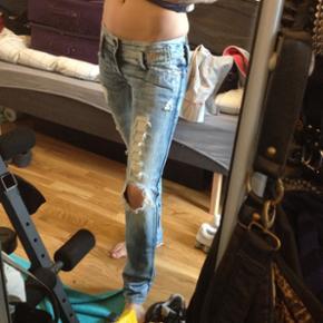 Diesel jeans Np 2600 Prøvet 1 gang, de er for små desværre. Str 27/32   Kan hentes i Århus eller sendes med DAO til 38kr.