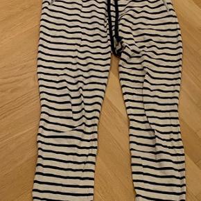 Lækre stribede sweatpants/bukser fra Lollys laundry.
