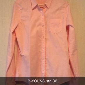 Skøn lyserød/rosa skjorte. Brugt ganske lidt. Har ingen fejl/mangler 😊