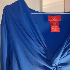 smuk vintage oscar de la renta bluse som intet fejler. passer størrelse small/medium.