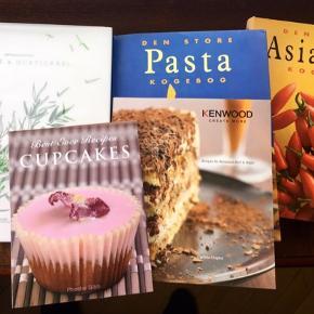Kogebøger madbøger opskrifter madopskrifter nemme madretter middagsretter 4 kogebøger i super stand.  Hurtigkarl og Mielcke metamorphis og 3 andre bøger med opskrifter