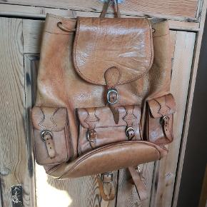 Vintage kernelæder rygsæk. Måske en gang fedt kan gøre den helt perfekt
