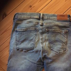 Som , nye , model Nora zip , ultra strecht model/ mid rise Skinny str 30/28 / og det er den rigtige / ægte størrelse