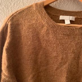 Sweater fra h&m. Brugt få gange 😊