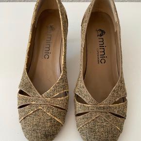 Mimic Copenhagen heels