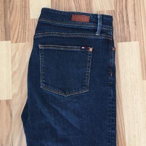 Meget lidt brugt Tommy Hilfiger jeans, der er som nye!!