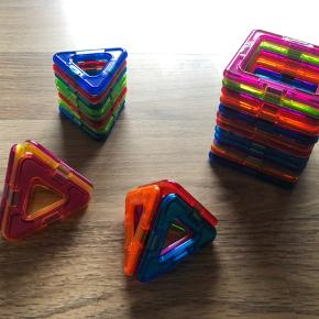 Fedt magnet legetøj fra magformers. Næsten ikke brugt.