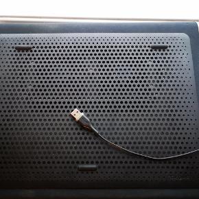 """Køler til PC & Mac med 2 kølere, virker fra 10-15"""" normal pris 299,-, kobles til via USB"""