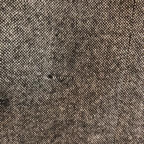 Super fed blazer fra Grunt. Størrelsen hedder L og svarer til 14 år (164).  Den har været brugt ganske kort 1 gang.   Der er en lille væve-ting over den ene lomme, som jeg først har opdaget nu - den har været der fra ny.   Sælges evt. sammen med skjorten fra Addtobag - også str. 14 (164) - se særskilt annonce.