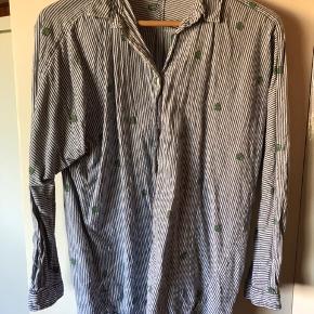 Fin skjorte i ren bomuld.