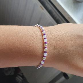 Hejsa, sælger dette super fine armbånd ;) Skriv gerne får flere billeder. hav en skøn dag allesammen :)