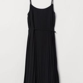 Fineste kjole fra H&M. Aldrig brugt - så fin!