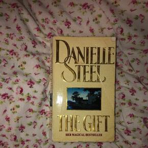 The gift af Daniel Steel ENGELSK  Kan hentes i Hammel, Viborg eller Århus
