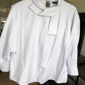 Den fineste skjortetrøje fra Zara i lyseblå. 🤩