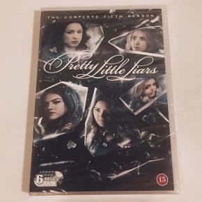 """""""Pretty Little Liers"""" - Sæson 5  Aldrig åbnet • Stadig i indpakning. Sender med DAO  Køber betaler fragt"""