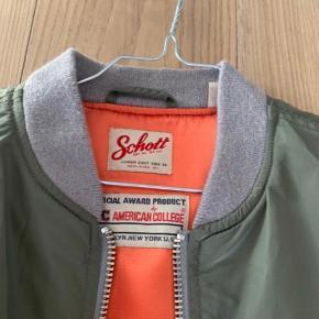 Fed Schott bomber jacket! Dsv for stor til mig..