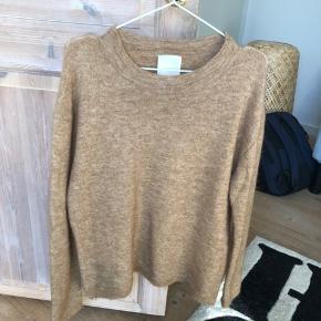 Skøn trøje med uld fra In Wear.