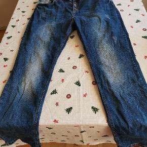 Flotte bukser fra Denim Identity by Zizzi str 54 /82. Kun brugt få gange! Ses og købes i Kolding eller sendes på købers regning! :)