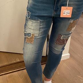 WIYA jeans