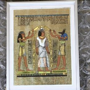 Sælger disse 3 flotte tryk med egyptiske tegn inkl alu rammer. De er 20x25 cm. Kommer fra et ikke ryger hjem. Kom med et bud, mindste pris 300kr. Kan sendes mod betaling eller afhentes i 2990 Nivå